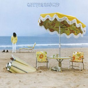IlGiradischi.com - Neil Young On The Beach