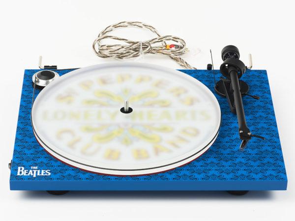 IlGiradischi.com - Giradischi Pro-Ject  Essential III Sgt. Pepper's Drum